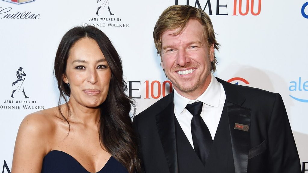 Chip and Joanna Unveil a preview of 'Fixer Upper: Welcome Home'