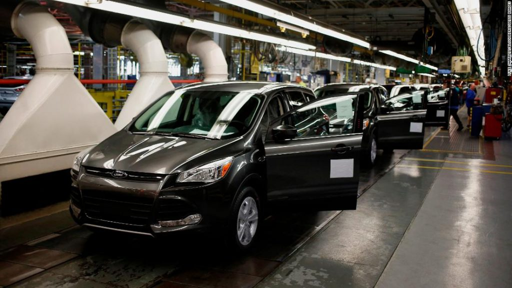 Ford shuts down a factory because it doesn't find enough computer chips