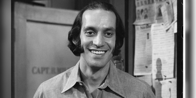 """Gregory Sierra on an episode of """"Barney Miller."""" (Getty Images)"""