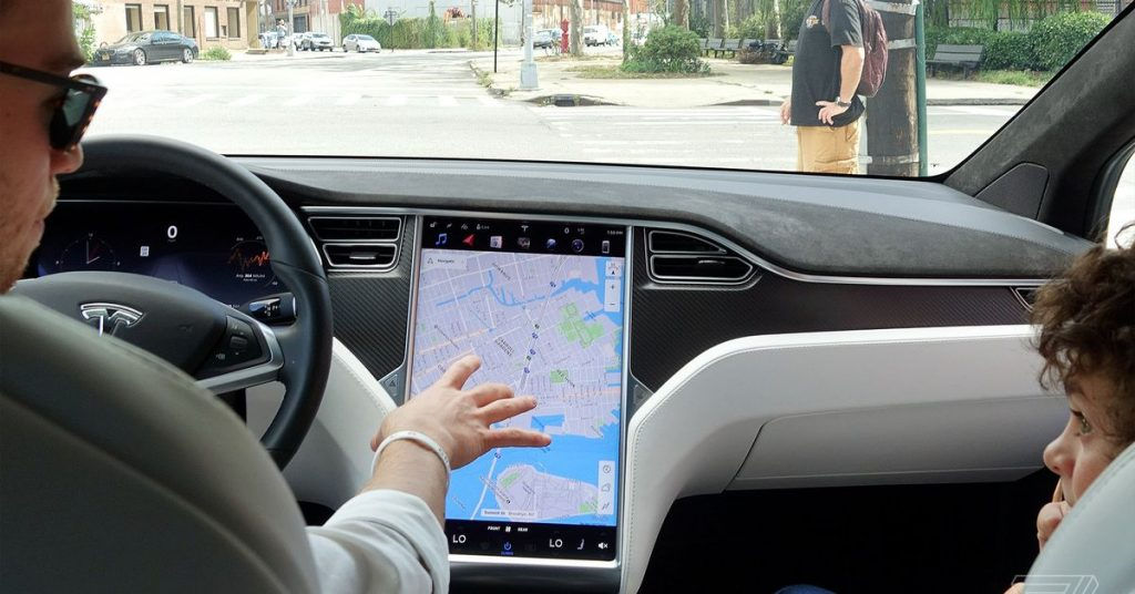 Tesla requested a recall of 158,000 cars due to the failure of the show