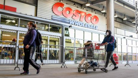 Costco is (finally) testing roadside pickups for grocery stores